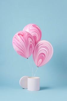 Arrangement de ballons festifs abstraits