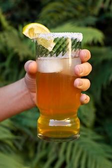 Arrangement de boissons michelada épicées
