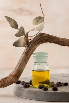 Arrangement de bouteille d'huile de jojoba