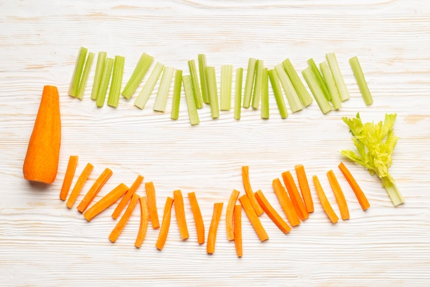 Arrangement de carotte et céleri vue de dessus