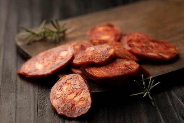 Arrangement de chorizo traditionnel savoureux