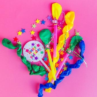Arrangement coloré pour une fête d'anniversaire