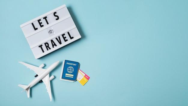 Arrangement de concept de voyage à nouveau avec espace de copie