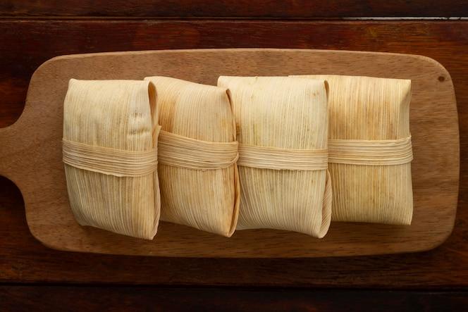 Arrangement de délicieux tamales traditionnels