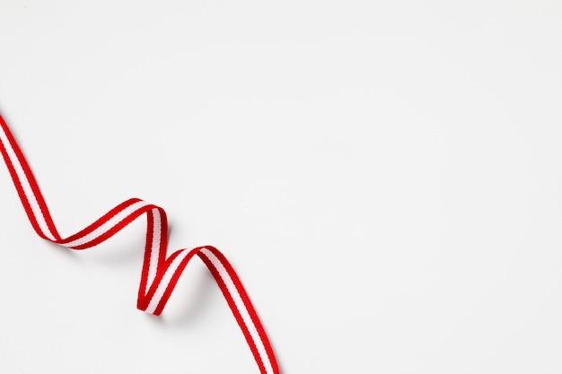 Arrangement du drapeau national du pérou