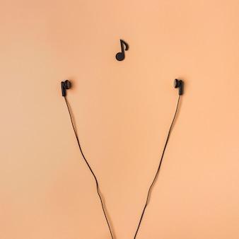 Arrangement d'écouteurs avec note de musique