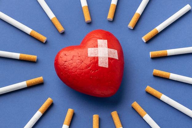 Arrangement d'éléments sans tabac pour la journée