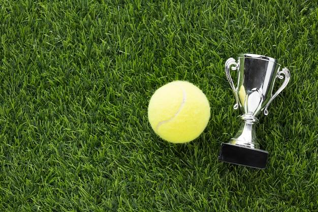 Arrangement des éléments de tennis vue de dessus