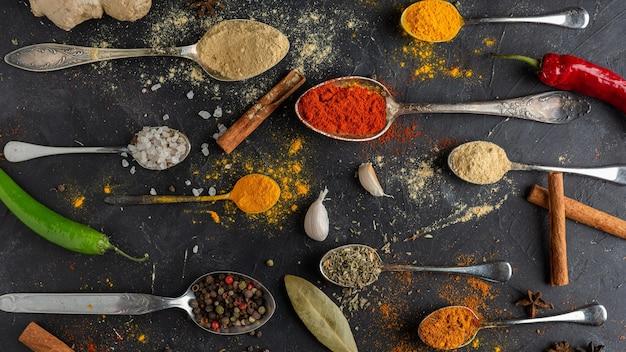 Arrangement d'épices à plat