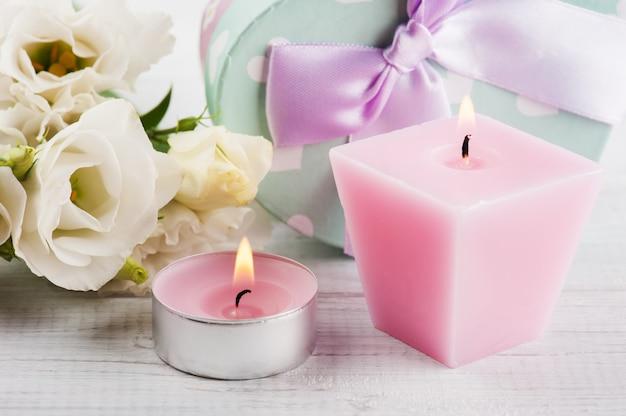 Arrangement de fleurs eustoma blanches, coffrets cadeaux