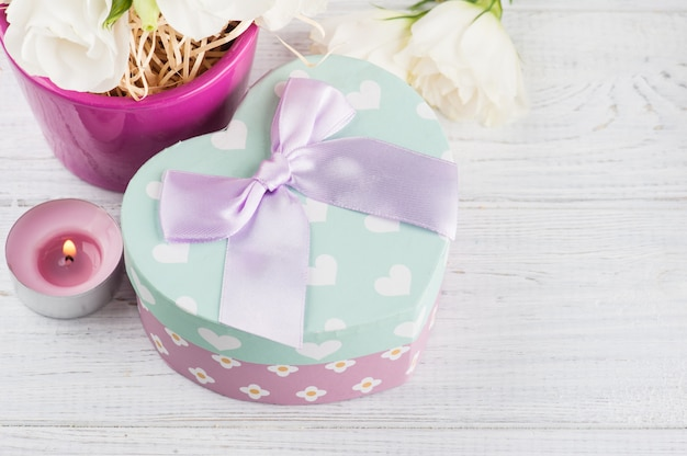 Arrangement de fleurs d'eustoma en pot, coffret cadeau pastel