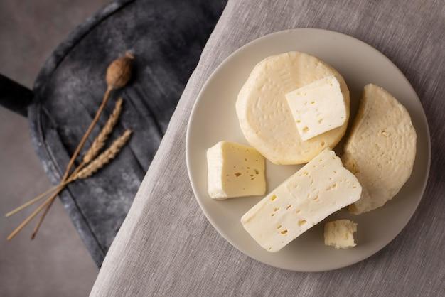 Arrangement de fromage paneer traditionnel