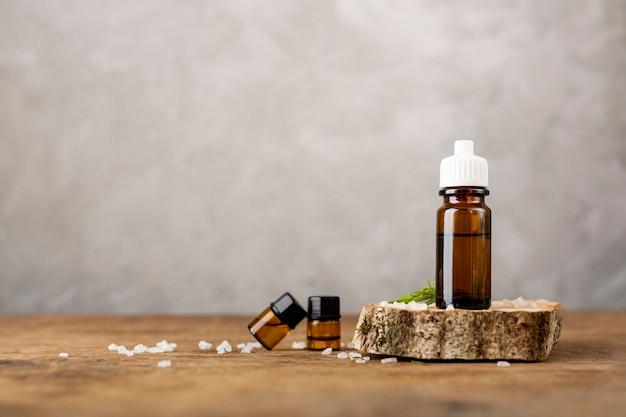 Arrangement avec des huiles de spa et des sels
