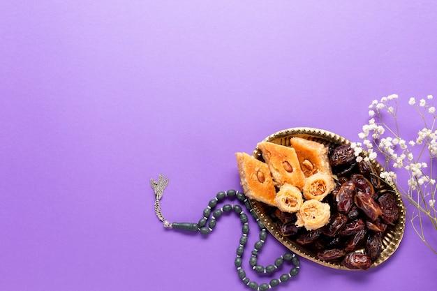 Arrangement islamique plat la nouvelle année