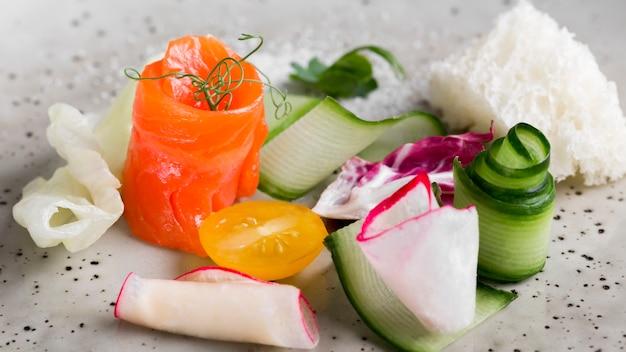 Arrangement de légumes à angle élevé