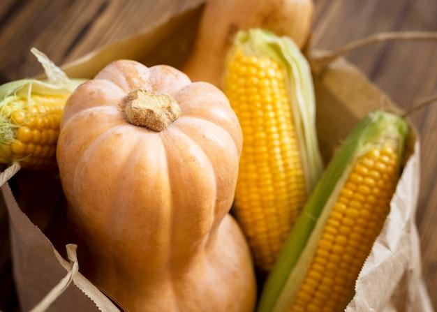 Arrangement de légumes d'automne à angle élevé