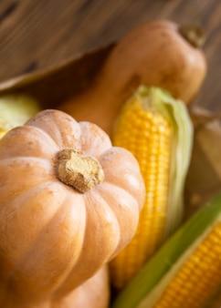Arrangement de légumes frais d'automne