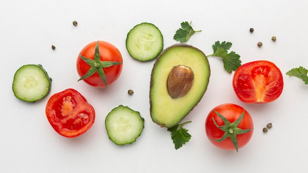 Arrangement de légumes et de fruits