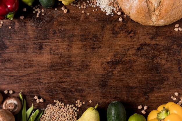 Arrangement de légumes et de graines à plat