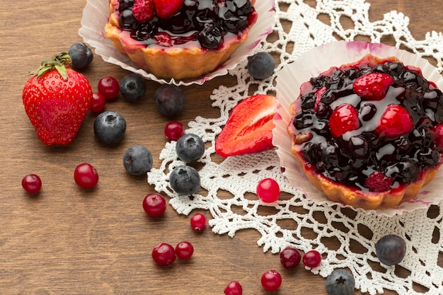 Arrangement de mini tartes aux fruits