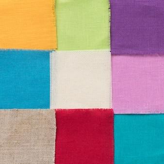 Arrangement de morceaux de tissus colorés