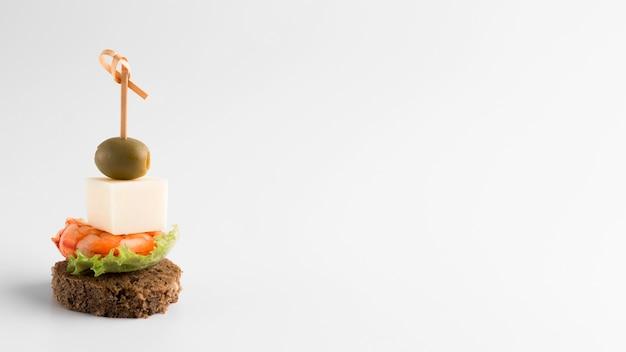 Arrangement avec de la nourriture délicieuse et copie