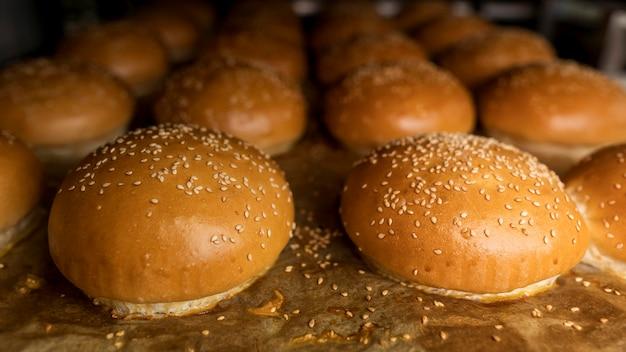 Arrangement de pains frais