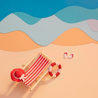 Arrangement de plage d'été en papier