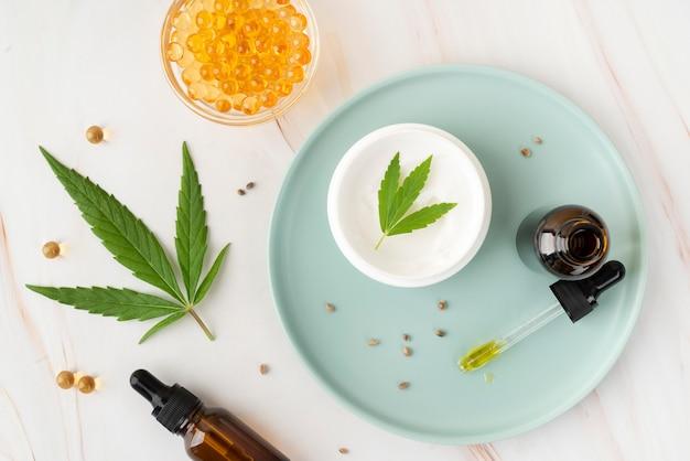 Arrangement de produits de cannabis biologique