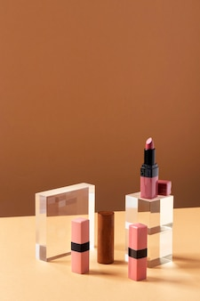Arrangement de produits de maquillage à angle élevé