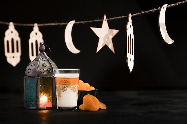 Arrangement de ramadan pour le jour du ramadan