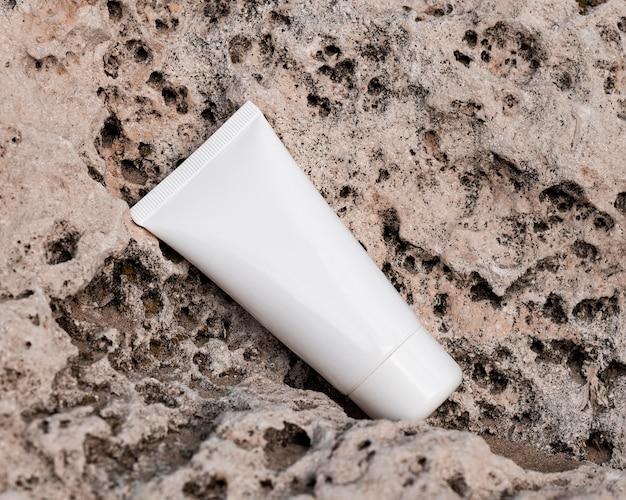 Arrangement de récipient d'humidité de soin de peau
