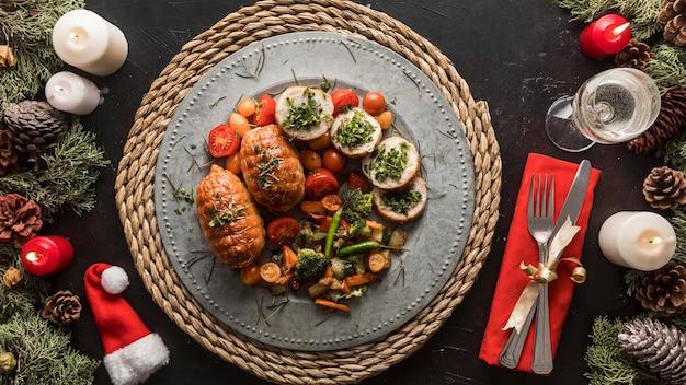 Arrangement de repas festif de noël