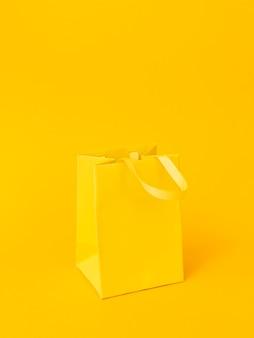 Arrangement avec sac cadeau