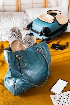 Arrangement de sacs de voyage grand angle