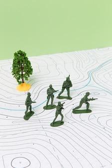 Arrangement de sujet d'histoire avec des soldats