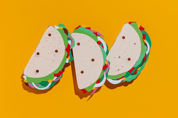 Arrangement de tacos en papier plat