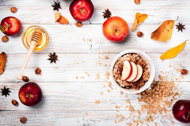 Arrangement de la vue de dessus du dessert de saison