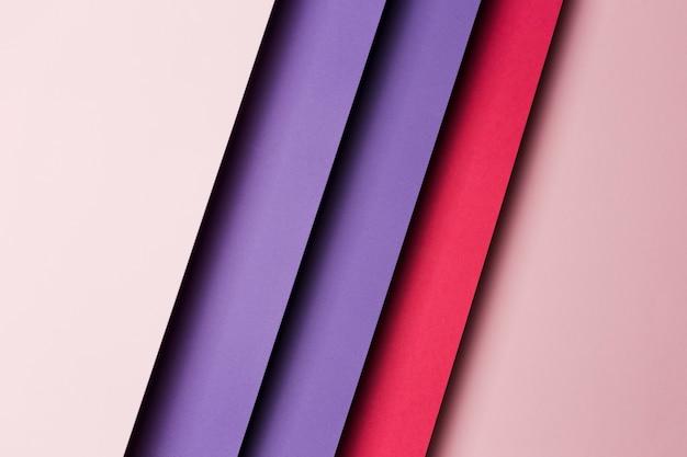Arrangement de vue de dessus des feuilles de papier multicolores
