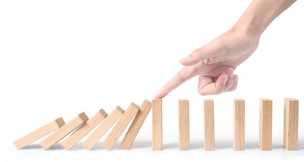 Arrêter la main l'effet domino arrêté par unique