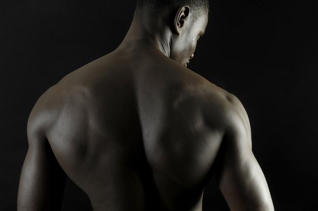 L'arrière d'une bougie africaine nue