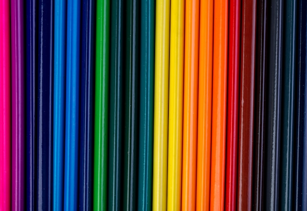 Arrière-plan d'un ensemble de crayons de couleur vue de dessus