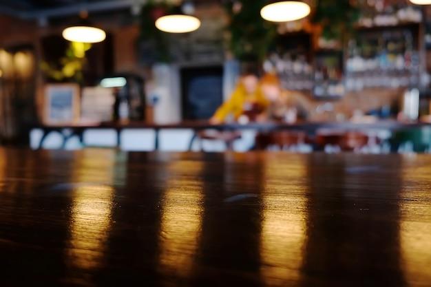 Arrière-plan flou de café. intérieur de pub. restaurant