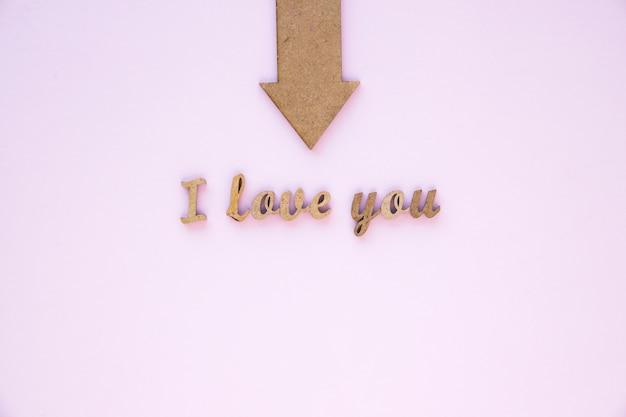 Arrow pointant vers élégant je t'aime écrire