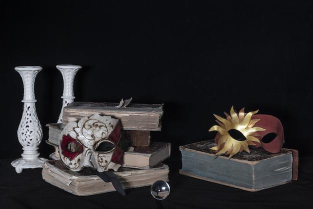 Art nature morte sur un vieux bureau en bois