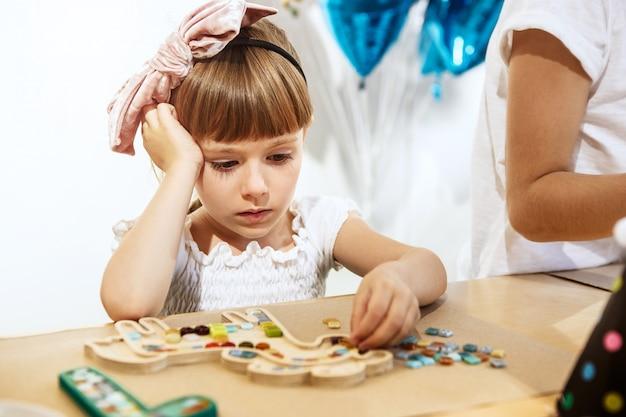 Art de puzzle en mosaïque pour les enfants, jeu créatif pour enfants.