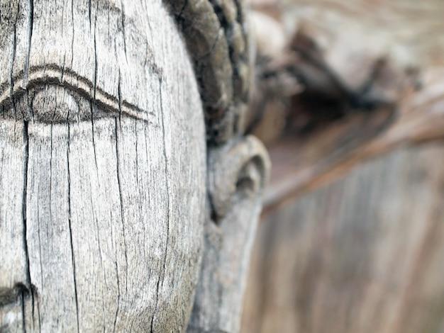 Art de la sculpture sur bois dans la ville antique, thaïlande.