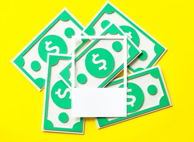 Artisanat en papier en dollars américains