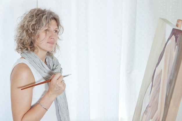 Artiste peintre inspiré de l'art pictural