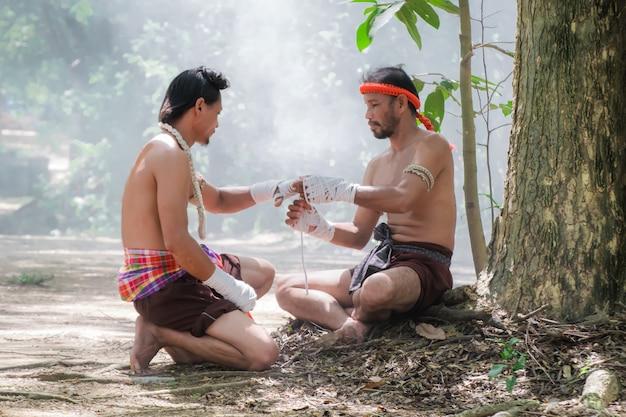 Arts martiaux du muay thai, boxe thaï.